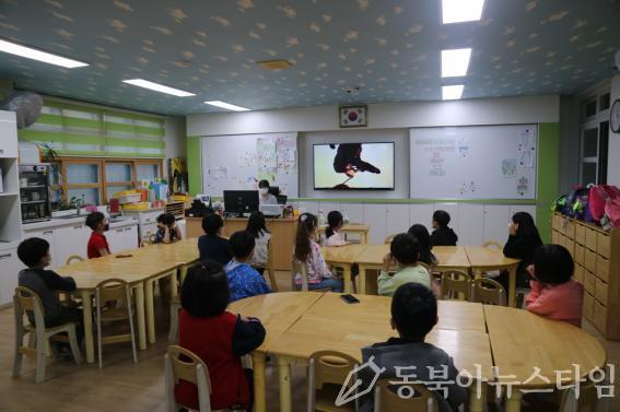 순천 대석초 긴급돌봄교실 사진.jpg